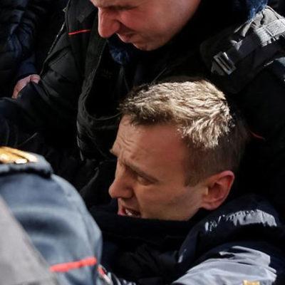 Gözaltındaki Rus muhalif lider Navalnıy'a 15 gün hapis cezası