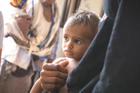 Suudi Arabistan tüm yolları kapattı, Yemen'e yardım gönderilemiyor
