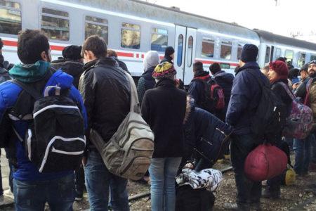 Yunanistan: Türkiye'den gelen mülteciler artabilir
