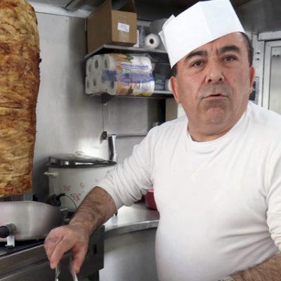 20 yıldır Almanca öğrenemeyen Türk kebapçının dükkanı kapatılıyor