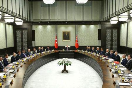 Erdoğan, önce partiyi sonra kabineyi revize edecek