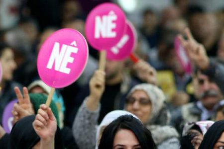 """HDP'nin referandum şarkısı """"Bêjin Na"""" Türkiye genelinde yasaklandı"""