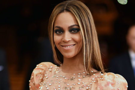 Beyoncé, genç kadınlara burs verecek