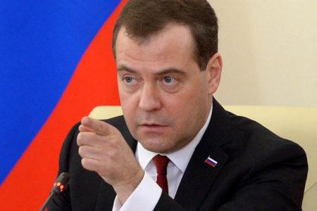 Medvedev: ABD'nin yaptırımları tamamen ticari bir savaş