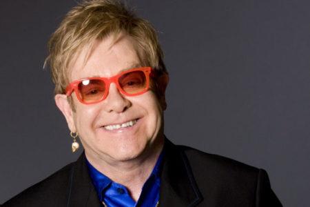 Elton John, ender bulunan enfeksiyon nedeniyle hastanelik oldu