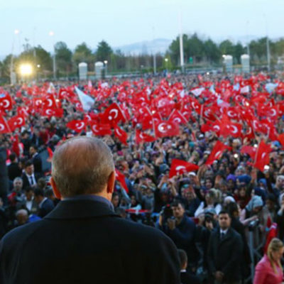 Economist: Ülke hiç olmadığı kadar bölünmüş durumda
