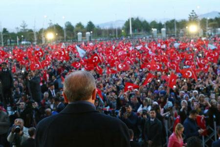 Aydınlık yazarı: Erdoğan, 'hile yapmadık' demek için pek yakında baskın bir erken seçim yaptıracak