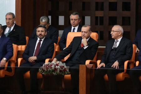 Oral Çalışlar: AK Parti eleştirdiği uygulamalara, vesayet rejiminin gerekçeleriyle sahip çıkıyor