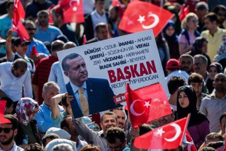 AGİT'ten referandum raporu: Kamu görevlileri bile taraflı