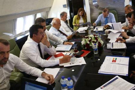 MHP Milletvekili Saffet Sancaklı Erdoğan'ın uçağında