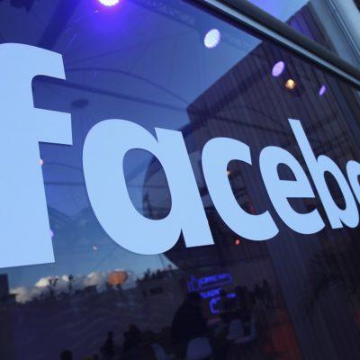 Zuckerberg: Facebook köklü bir değişim yaşayacak