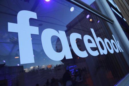 """""""Facebook çocuk pornosu yayınlıyor"""""""