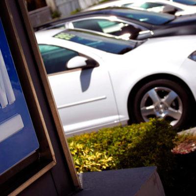 Venezuela'nın General Motors'a el koymasının ardından şirket işletmelerini durdurdu