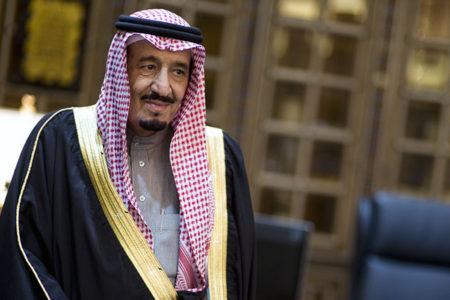 Suudi Arabistan'da 'kraliyet kararnamesi' rüzgarı: Üst düzey isimler görevden alındı
