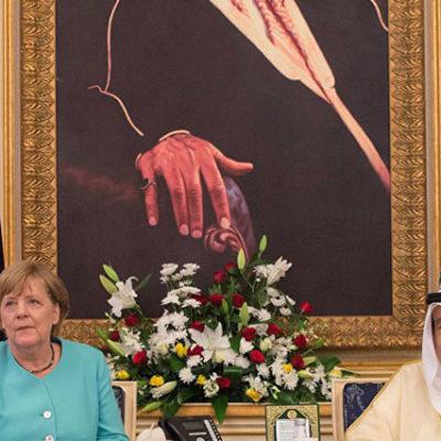 Merkel, Suudi Arabistan ziyaretinde 'başörtüsüz'