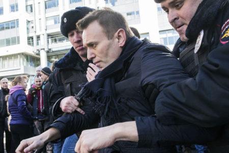 Putin'in Sözcüsü: Protesto gösterilerine neden olan yolsuzluk iddiaları 'popülizm'