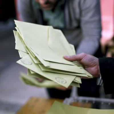 AKP'nin referandum günü sandık müşahitlerine gönderdiği mesajlar ortaya çıktı