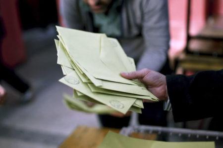 Referandum iptal edilsin diyen tek YSK üyesi: Mühürsüz oyların tespiti imkânsız hale gelmiştir