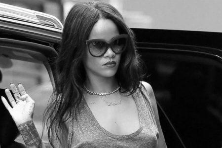 Rihanna kasiyer oldu!