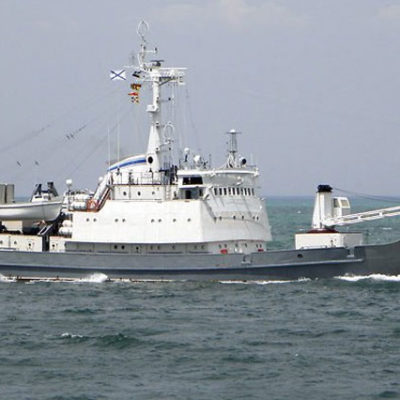 Karadeniz'de Rus savaş gemisi, yük gemisi ile çarpıştı