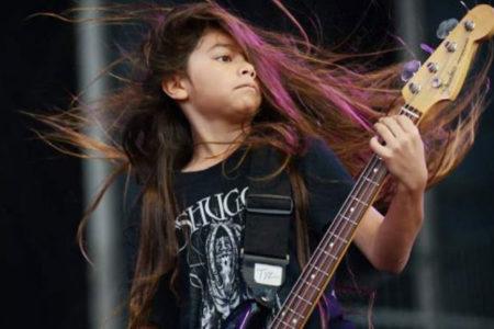 Metallica'nın basçısı Robert Trujillo'nun 12 yaşındaki oğlu Tye, ilk konserine çıktı