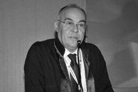 Ankara Barosu Eski Başkanı Vedat Ahsen Coşar'dan imza günü