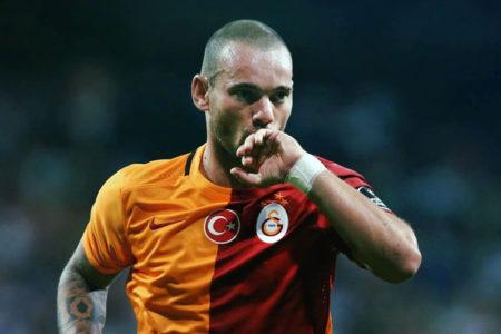 Sneijder'den hakeme Türkçe tepki