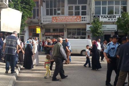 Süleymancılar Aladağ'da yaşamını yitiren çocukların ailelerine saldırdı