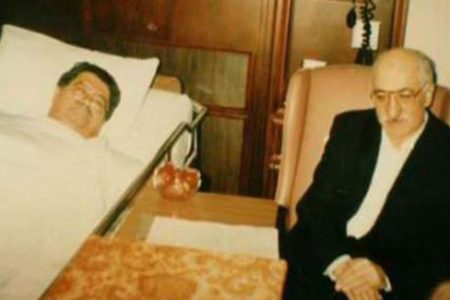 Ahmet Özal: Gülen, yasak olduğu halde babamın odasına gizlice girerek fotoğraf çektirdi