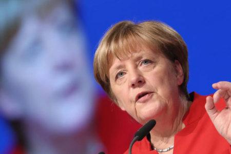 Merkel: Avrupa artık sırtını ABD ve İngiltere'ye dayamaktan vazgeçmeli