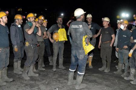 Madende mahsur kalan işçilerin cansız bedenine ulaşıldı