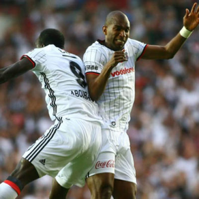 Beşiktaş soyunma odasına giren Aboubakar'ın sevinci Porto taraftarının tepkisini çekti