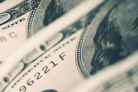 Dolar ve Euro haftanın son işlem gününe yükselişle başladı