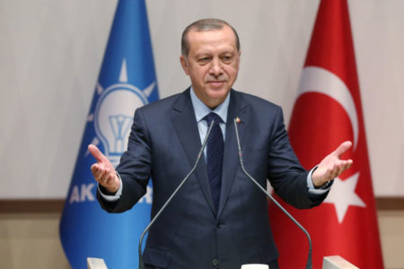 Erdoğan resmen AKP'ye üye oldu