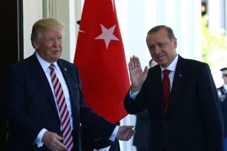 ABD basını: Türkiye Cumhurbaşkanı bol keseden Trump'ı övdü