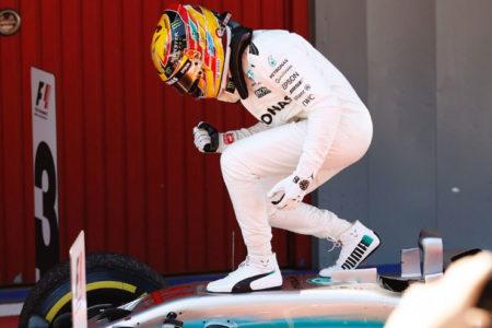 Hamilton bu sezon ikinci zaferine imza attı