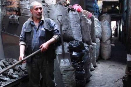 Günde 70 TL'ye kömür depolarında zehir soluyorlar