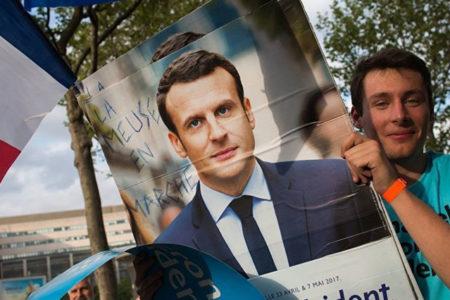 Fransa'da mutlak zafer Macron'un