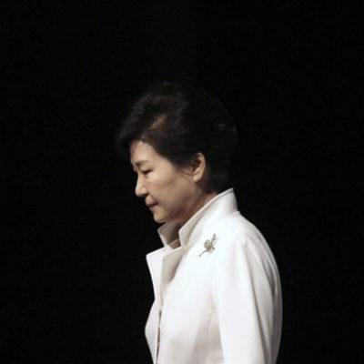 Güney Kore'nin eski devlet başkanı yolsuzluktan hakim karşısında