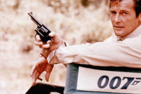 James Bond'u oynayan Roger Moore hayatını kaybetti