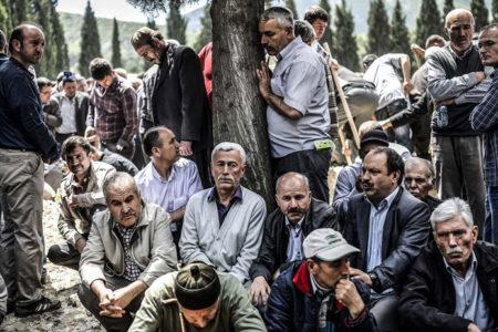 Soma katliamının acısı dinmiyor: Yaşamak zorunda olduğumuz için yaşıyoruz