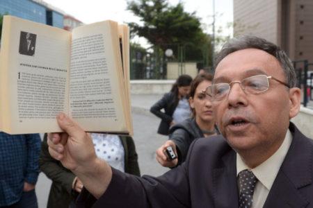 Süleyman Yeşilyurt 'Atatürk'ün hatırasına alenen hakaret' suçundan tutuklandı
