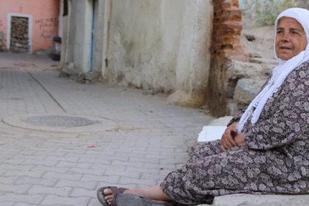 Suyu ve elektriği kesilen Sur halkı: Bu mübarek ayda su ve elektriği kesen Müslüman olamaz