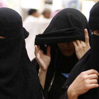 Suudi Arabistan'da kadınlar artık otomobil kullanabilecek