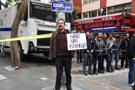 KHK ile ihraç edilen kamu emekçilerine polis saldırdı: Veli Saçılık'ın omzu kırıldı