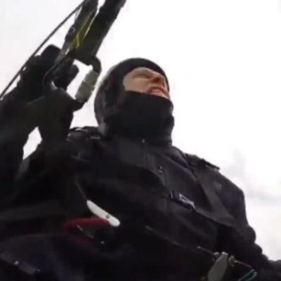 Avusturyalı paraşütçünün düşme anları saniye saniye kaydedildi
