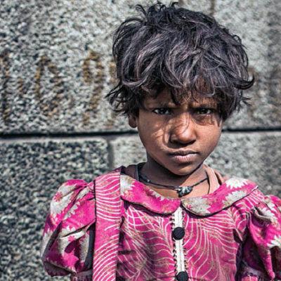 Dünyada her dört çocuktan birinin çocukluğu çalınıyor