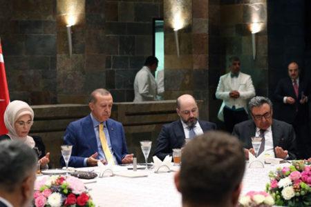 Ergun Babahan: Türkiye, varlığını sadece bir kişiye tapınmaya bağlayan bir ülke haline geldi