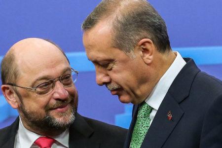 Schulz: Muhalifleri ve gazetecileri cezaevine atan Erdoğan'ın Almanya'da etkinlik düzenlemesini istemiyorum