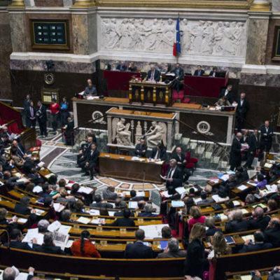 Fransa'da, bir önceki seçimlerde 155 olan kadın milletvekili sayısı ise 223'e yükseldi